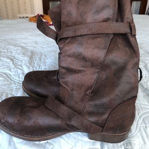 Crown vintage boots size 9